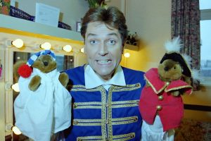 Brian Conley with puppets